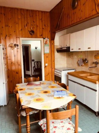 Appartamento in vendita a Firenze, 100 mq