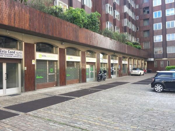 Ufficio in affitto a Milano, Carbonari, Con giardino, 150 mq