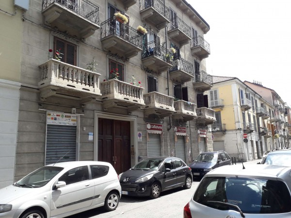 Appartamento in vendita a Torino, Piazza Foroni, 30 mq
