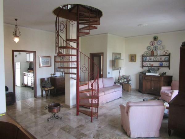 Appartamento in vendita a Firenze, 170 mq