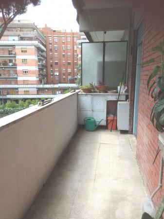 Appartamento in vendita a Roma, Con giardino, 75 mq