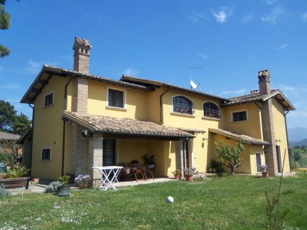 Villa in vendita a Mentana, Mezzaluna, Con giardino, 290 mq