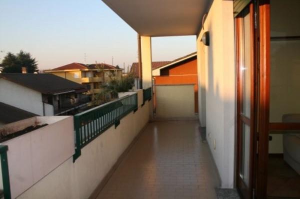 Appartamento in affitto a Cesate, Arredato, con giardino, 65 mq