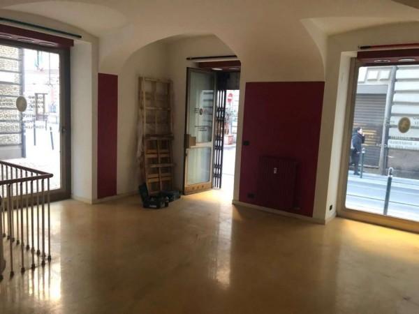 Negozio in affitto a Torino, Centro, 115 mq