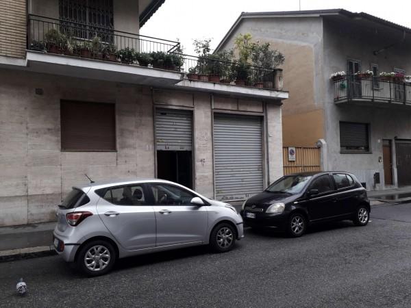 Negozio in vendita a Torino, Via Barletta, 64 mq