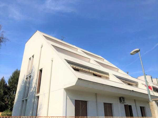 Appartamento in vendita a Legnano, Oltrestazione, 260 mq