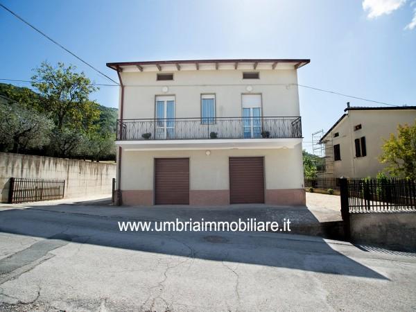 Casa indipendente in vendita a Gualdo Cattaneo, Pomonte, Con giardino, 346 mq