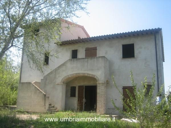Rustico/Casale in vendita a Todi, Con giardino, 362 mq