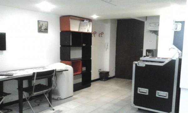 Appartamento in affitto a Milano, Missori, Arredato
