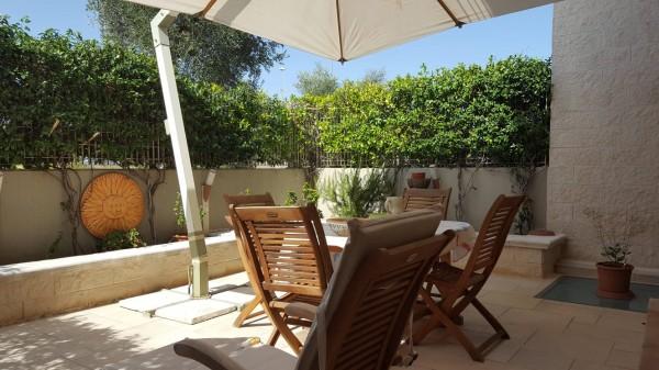 Villetta a schiera in vendita a Bari, Residenziale, Con giardino, 180 mq