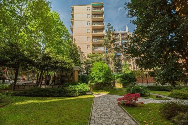 Appartamento in vendita a Milano, Bande Nere, Con giardino, 85 mq