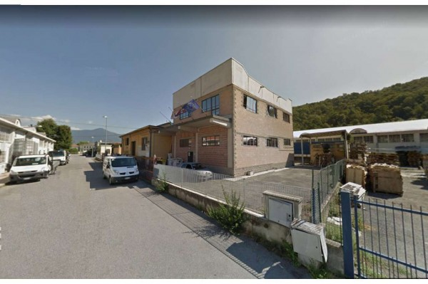 Capannone in vendita a Avigliana, Mareschi, Con giardino, 400 mq