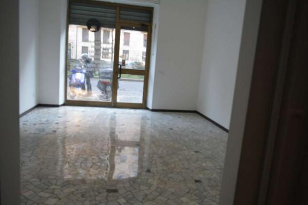 Negozio in affitto a Milano, Via Gran Sasso, 50 mq