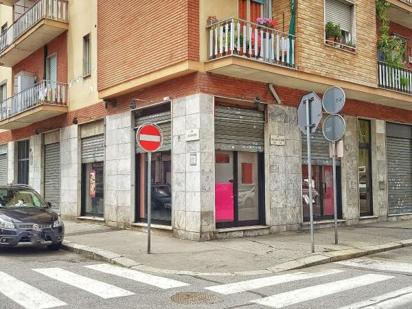 Negozio in vendita a Torino, Centrale, 86 mq