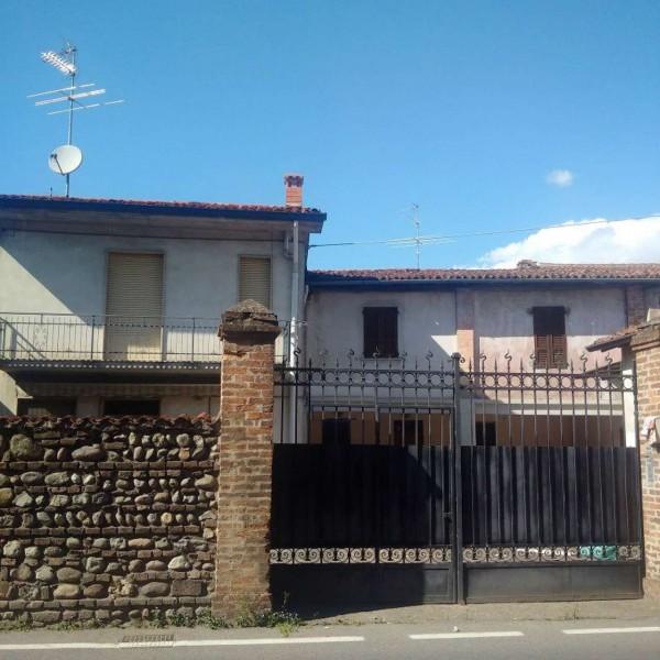 Appartamento in vendita a Castrezzato, Centro, Con giardino, 128 mq
