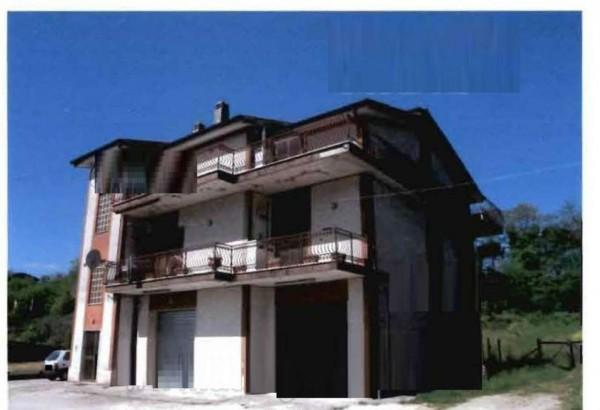 Appartamento in vendita a Lariano, 124 mq