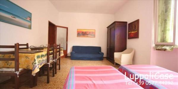 Appartamento in vendita a Follonica, 65 mq