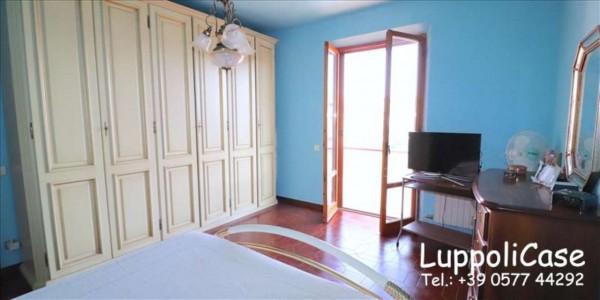 Appartamento in vendita a Castelnuovo Berardenga, 111 mq - Foto 2