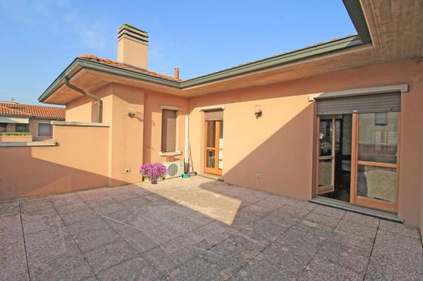 Appartamento in vendita a Cassano d'Adda, Vallette, Con giardino, 130 mq