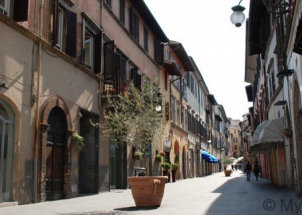 Ufficio in affitto a Spoleto, Centrale, 40 mq