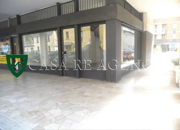 Negozio in affitto a Varese, Viale Belforte, 120 mq - Foto 1
