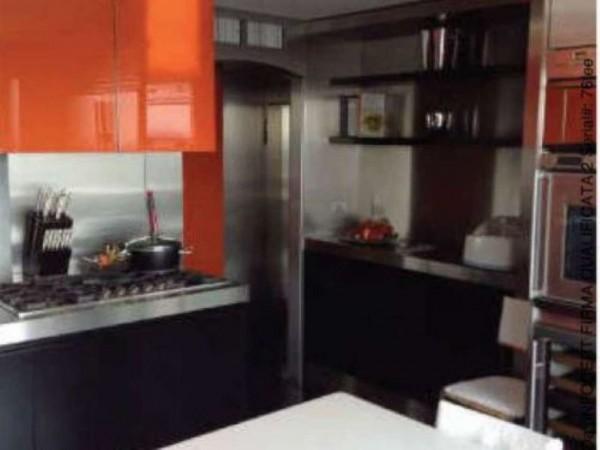 Appartamento in vendita a Milano, Trilocale In Isola, Con giardino, 120 mq