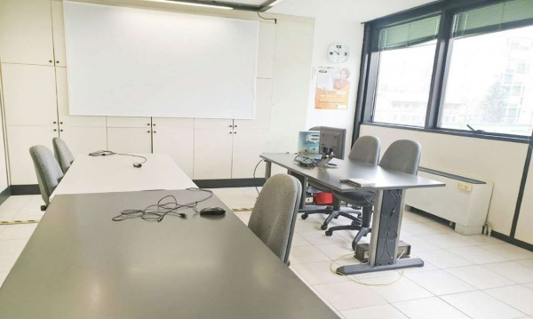 Ufficio in affitto a Bresso, 120 mq
