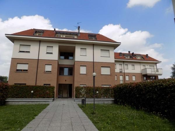 Appartamento in vendita a Limbiate, Con giardino, 106 mq