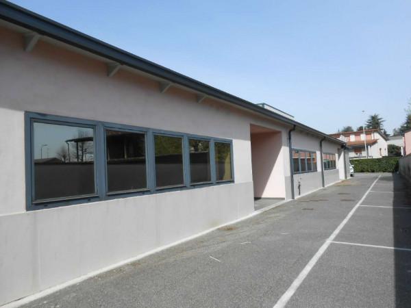 Ufficio in affitto a Madignano, Centro, 137 mq