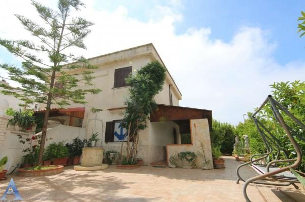 Villa in vendita a Leporano, Con giardino, 67 mq