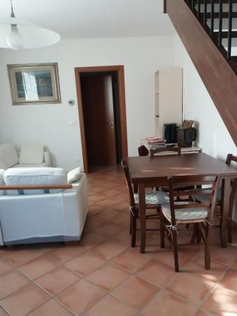 Villetta a schiera in vendita a Castel Guelfo di Bologna, Zona Outlet, Con giardino, 75 mq