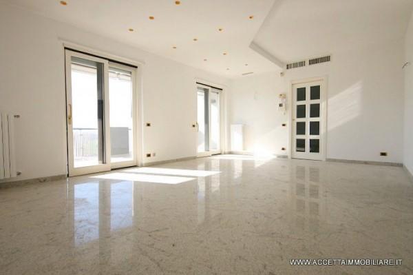 Appartamento in affitto a Taranto, Residenziale, Con giardino, 140 mq