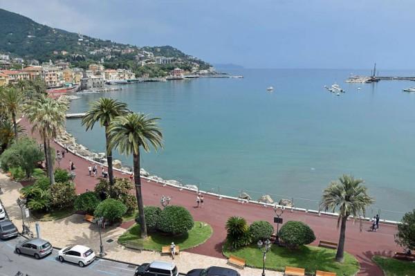 Appartamento in vendita a Rapallo, Lungomare, 250 mq
