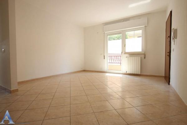 Appartamento in affitto a Taranto, Rione Laghi - Taranto 2, Con giardino, 85 mq - Foto 11