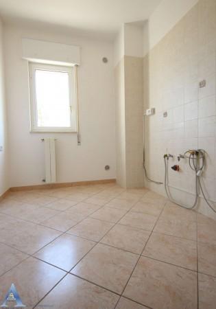 Appartamento in affitto a Taranto, Rione Laghi - Taranto 2, Con giardino, 85 mq - Foto 9