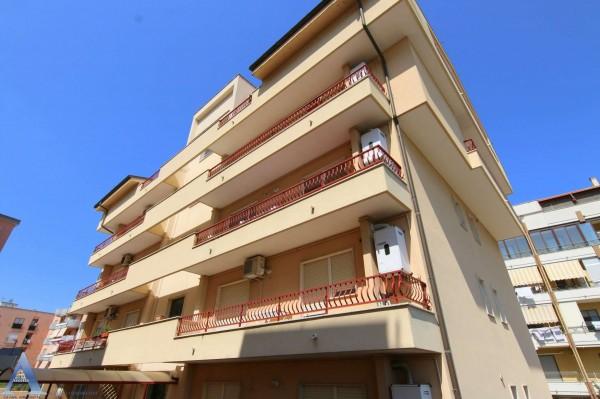 Appartamento in affitto a Taranto, Rione Laghi - Taranto 2, Con giardino, 85 mq - Foto 3