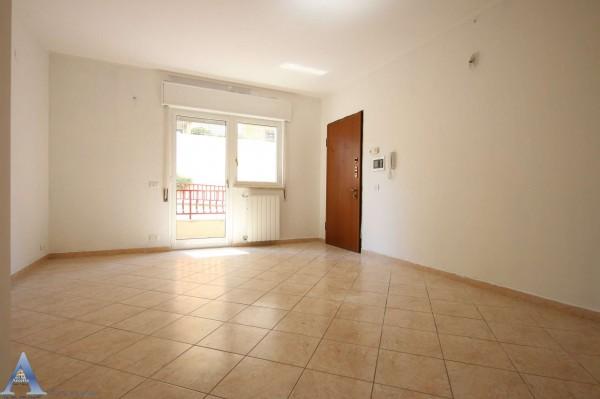 Appartamento in affitto a Taranto, Rione Laghi - Taranto 2, Con giardino, 85 mq - Foto 10