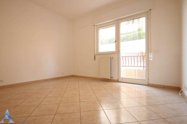 Appartamento in affitto a Taranto, Rione Laghi - Taranto 2, Con giardino, 85 mq - Foto 5