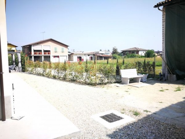 Locale Commerciale  in vendita a Isola d'Asti, Rurale, Con giardino, 50 mq - Foto 3