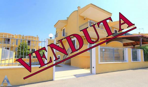 Villa in vendita a Taranto, Talsano, Con giardino, 166 mq