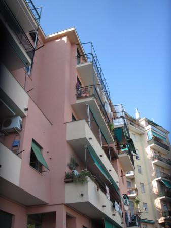 Appartamento in vendita a Genova, Pra, 60 mq