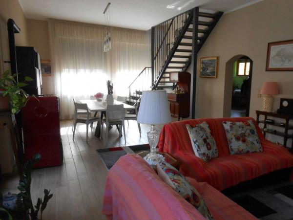 Villa in vendita a Spino d'Adda, Residenziale, Con giardino, 295 mq