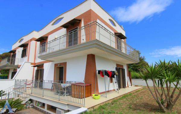 Villa in vendita a Taranto, Lama, Con giardino, 183 mq