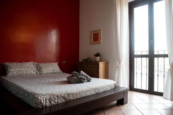 Locale Commerciale  in vendita a Milano, Navigli, Arredato, 200 mq