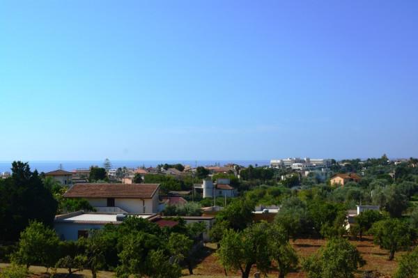 Villetta a schiera in vendita a Noto, Lido Di Noto, Con giardino, 140 mq