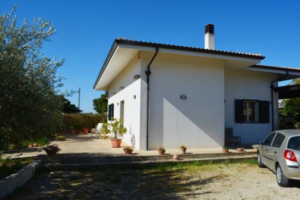 Villa in vendita a Noto, Lido Di Noto, Con giardino, 135 mq