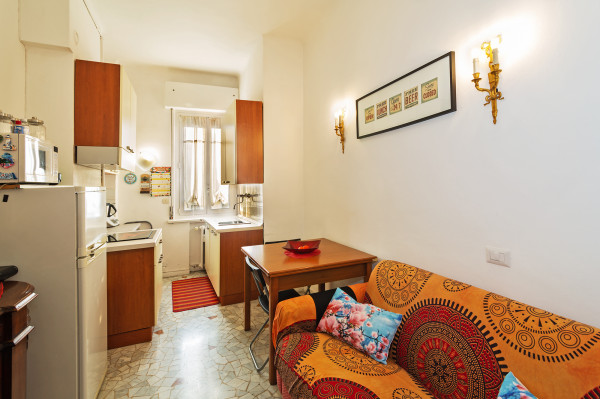 Bilocale in affitto a Milano, Ticinese, 50 mq