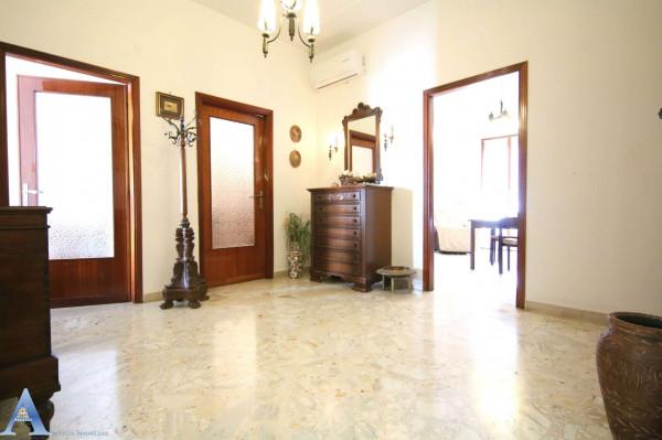 Appartamento in affitto a Taranto, Rione Italia, Montegranaro, Arredato, 123 mq - Foto 3
