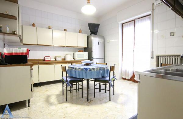 Appartamento in affitto a Taranto, Rione Italia, Montegranaro, Arredato, 123 mq - Foto 9