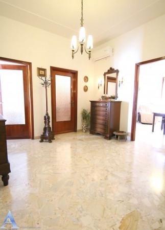 Appartamento in affitto a Taranto, Rione Italia, Montegranaro, Arredato, 123 mq - Foto 12